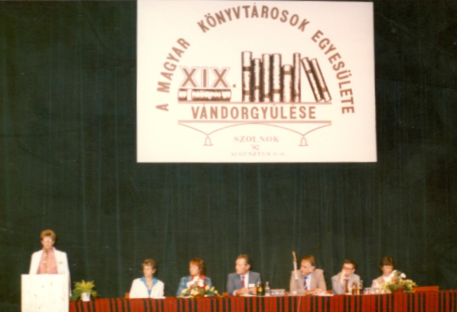 1987-08-07_zaro_plenaris008_papay_laszlone